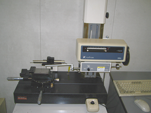 Surface roughness / Contour measuring equipment